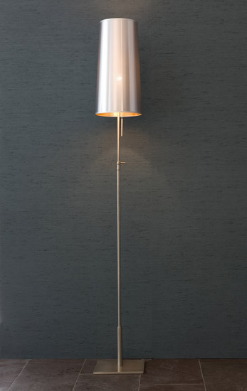 Bach Floor Lamp de Christine Kröncke | Luminaires sur pied