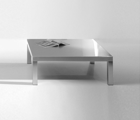 Stratus Coffee Table by Christine Kröncke | Lounge tables