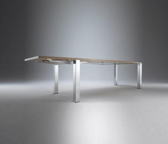 Varion Table de Christine Kröncke | Tables de repas