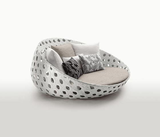 Canasta by B&B Italia | Garden sofas