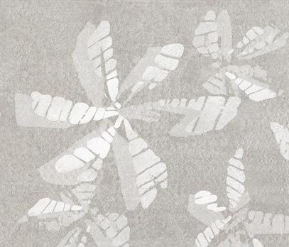 Tracce Skin Fiori Cenere Tile by Refin | Ceramic tiles