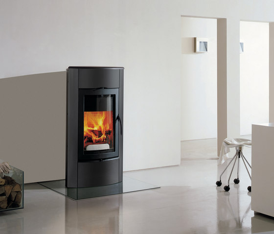 Irony Fireplace 1 by Austroflamm | Wood burning stoves