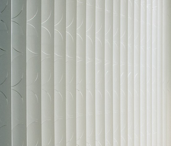 Laser Orfeo V by Création Baumann | Vertical blinds