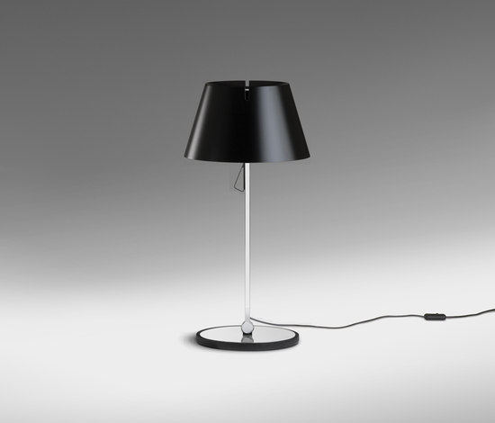 Giro 2410 Table lamp by Vibia | General lighting