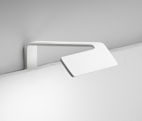 Alpha 7955 Wall lamp by Vibia | Picture lights