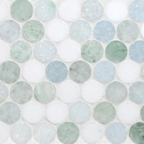 Rounds Marine Blend di Complete Tile Collection | Mosaici pietra naturale