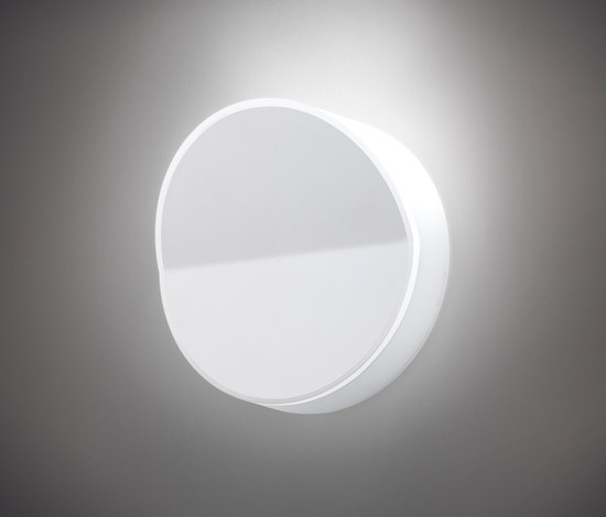 Beta 7900 Wall lamp by Vibia | General lighting