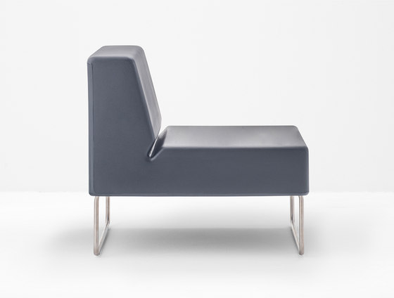 Host Lounge 790 by PEDRALI | Modular seating elements