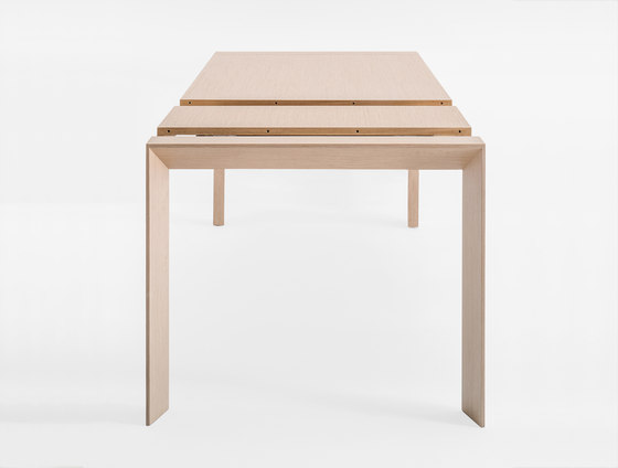 Surface TSU by PEDRALI   Dining tables