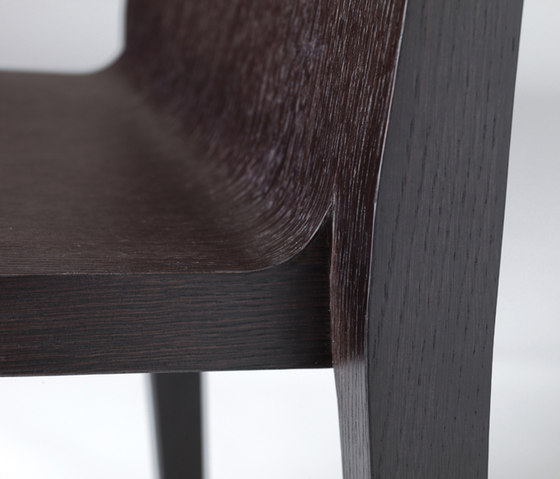 Young+ 421 by PEDRALI | Restaurant chairs