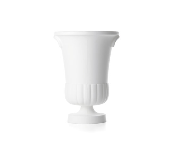 container vase by moooi | Flowerpots / Planters