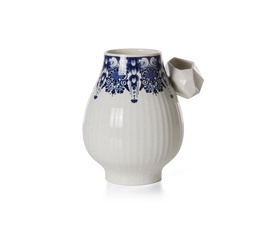 Delft Blue 8 by moooi | Vases