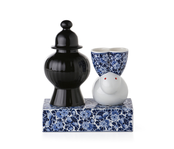 delft blue 9 by moooi | Vases