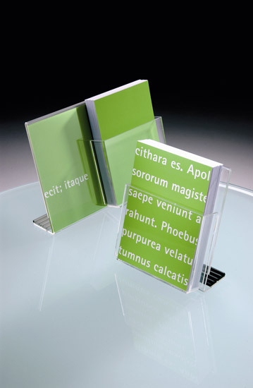 Acta by Vilagrasa | Brochure / Magazine display stands