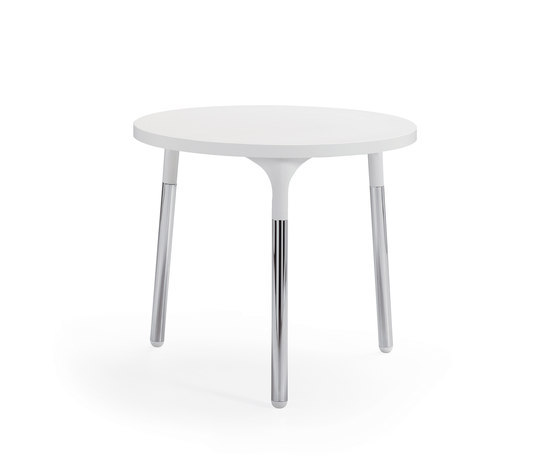 Silent whisper table by Materia | Furniture
