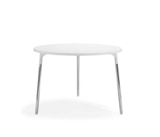 Silent whisper table by Materia | Cafeteria tables