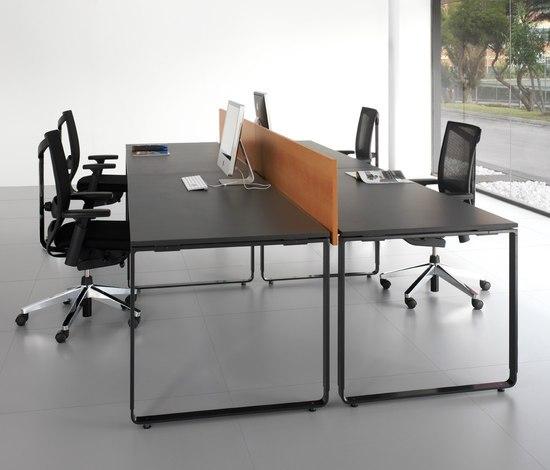 K22 desk by Haworth | Desking systems