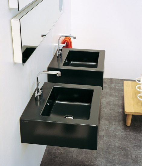 Acquagrande 60 basin by Ceramica Flaminia | Wash basins