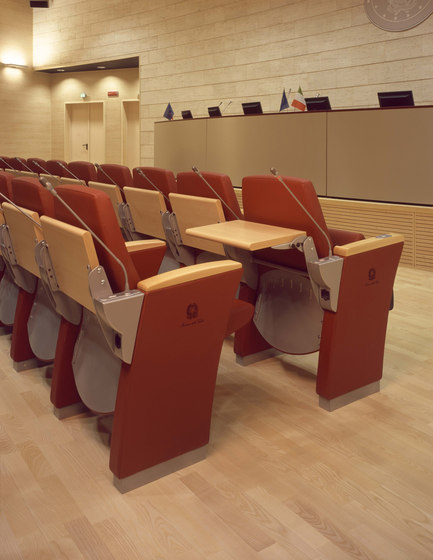 Genesis Evo by Ares Line | Auditorium seating