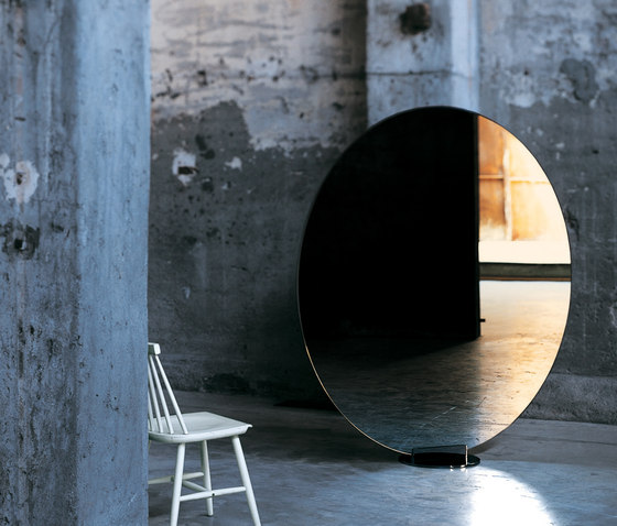 Stand by by Glas Italia | Mirrors