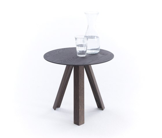 Tre table by Arco | Side tables