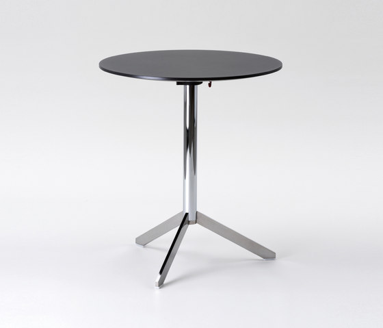 TRE by FORMvorRAT | Bar tables