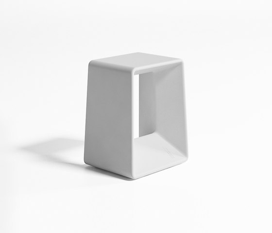 Air Low Stool by GANDIABLASCO | Garden stools