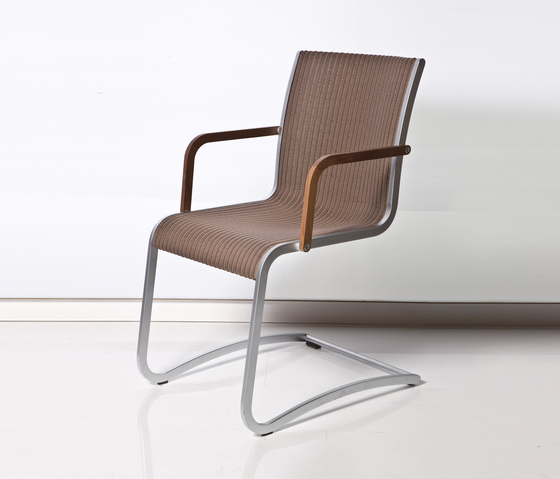 Rado Swing Chair 02 by Accente | Restaurant chairs