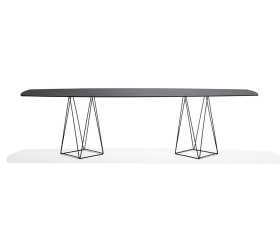 Joco Dining Table by Walter Knoll | Dining tables