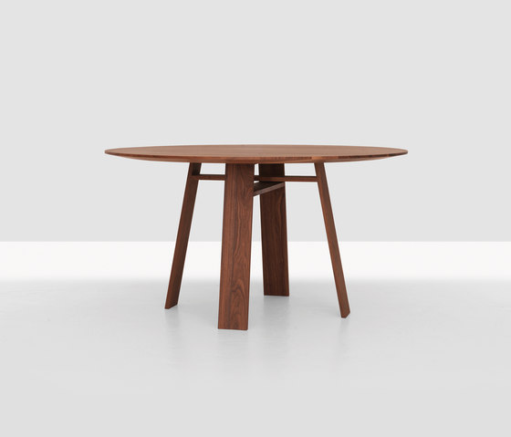 Bondt Table by Zeitraum | Dining tables