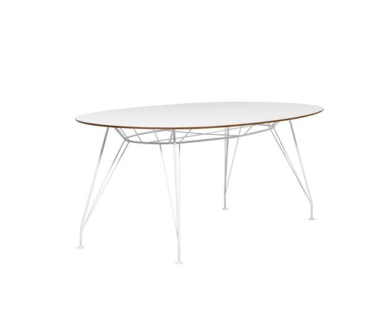 Desirée table de Swedese | Tables de restaurant