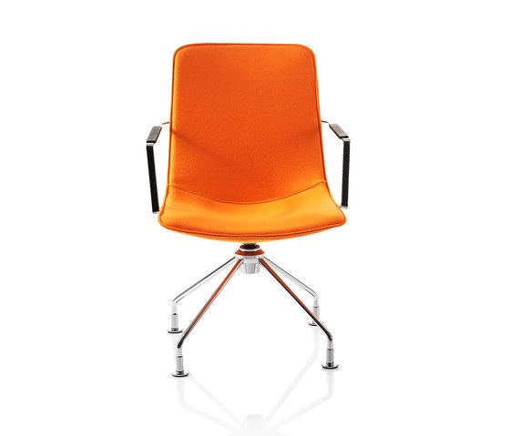 Comet Chair by Lammhults | Restaurant chairs