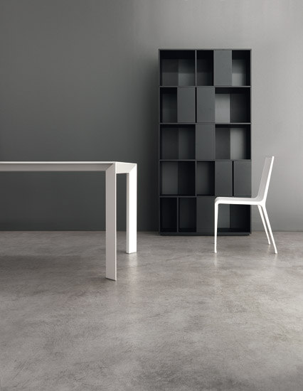 "Nori ""Pure white"" Table by Kristalia 