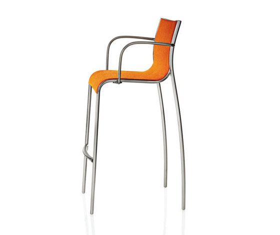Paso Doble Stool by Magis | Bar stools