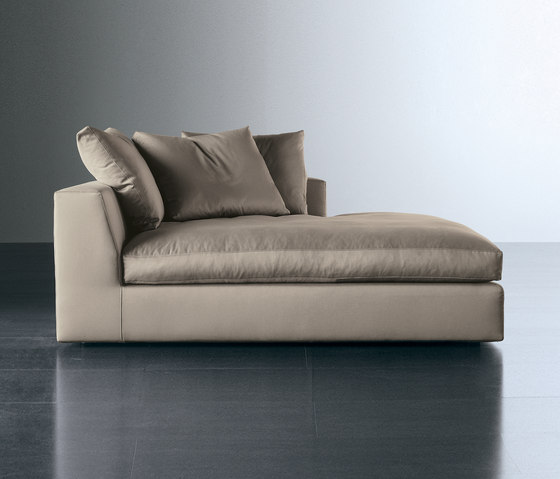 Louis by meridiani bed small sofa plus sofa plus for Chaises longues doubles