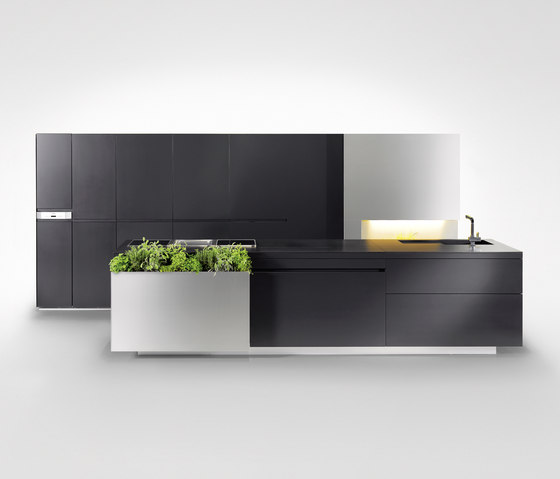 Kräuterküche by steininger.designers | Fitted kitchens