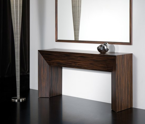 Axil Console by Kendo Mobiliario | Wall shelves