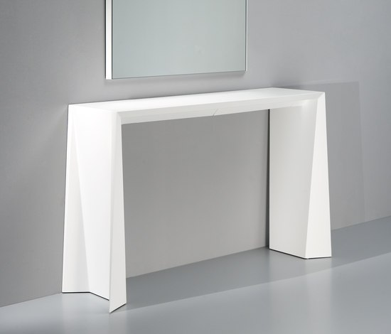 Naruk Console by Kendo Mobiliario | Wall shelves