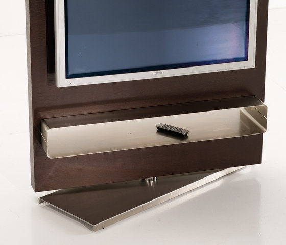 Totem TV unit by Kendo Mobiliario | Multimedia stands