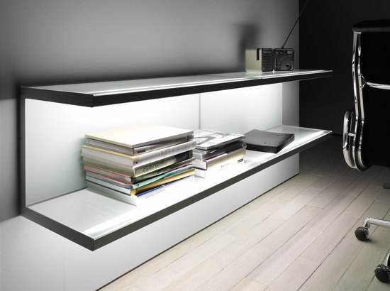 Lighting system 5 Wall shelf di GERA | Librerie con illuminazione integrata