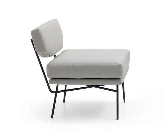 Elettra Armchair by ARFLEX | Lounge chairs