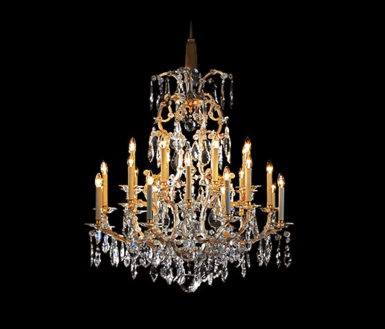 Bally Chandelier by LOBMEYR | Ceiling suspended chandeliers