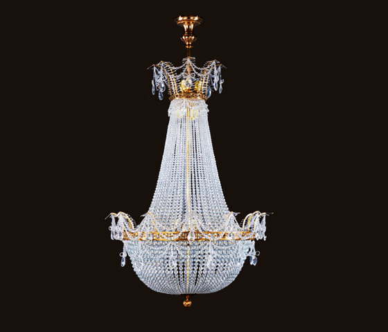 Milano chandelier by LOBMEYR | Ceiling suspended chandeliers