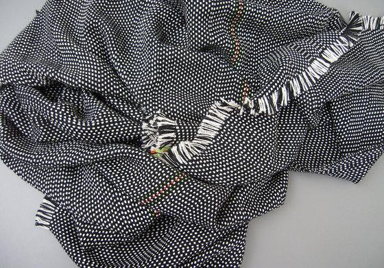 AmA 01B black di Isabel Bürgin | Coperte