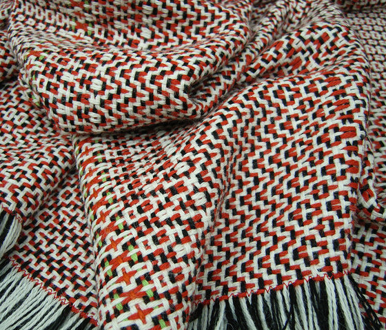 AmA 3 red-white by Isabel Bürgin | Plaids / Blankets
