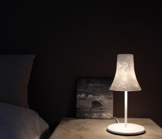 Oscar T Table lamp by Luz Difusión | General lighting