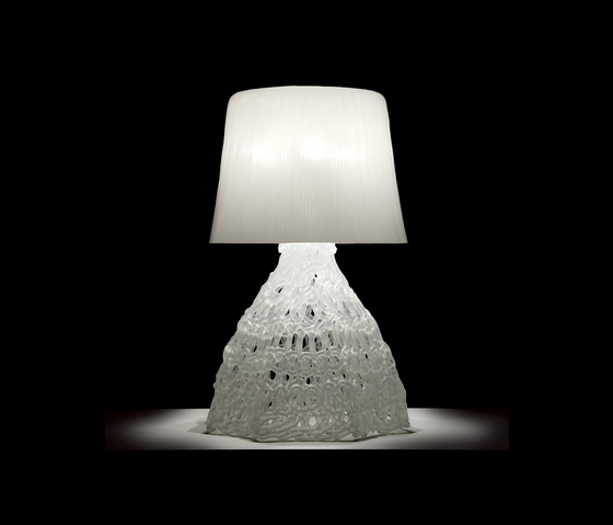 Larsson T3 Table lamp by Luz Difusión | General lighting