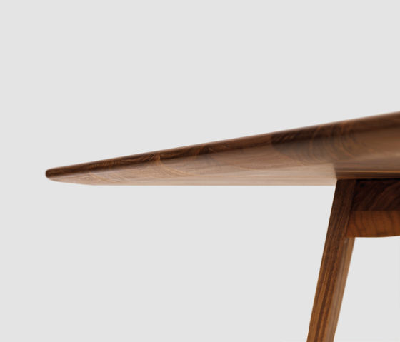 Twist by Zeitraum | Dining tables
