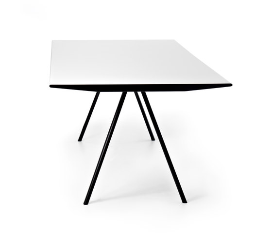 WOGG TIRA Table Eichenberger by WOGG | Restaurant tables