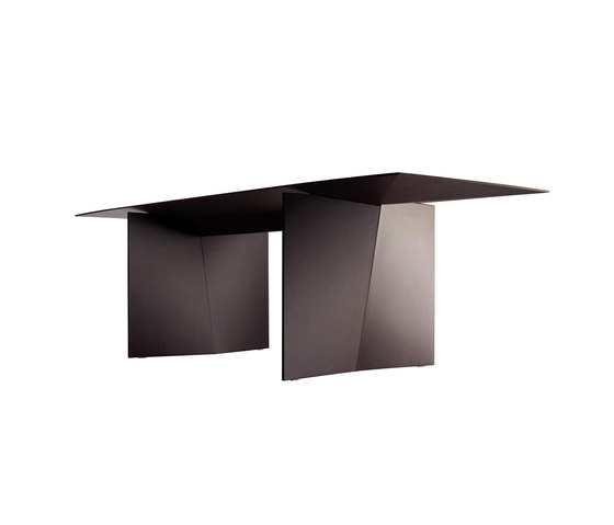 Palio by Poltrona Frau | Dining tables